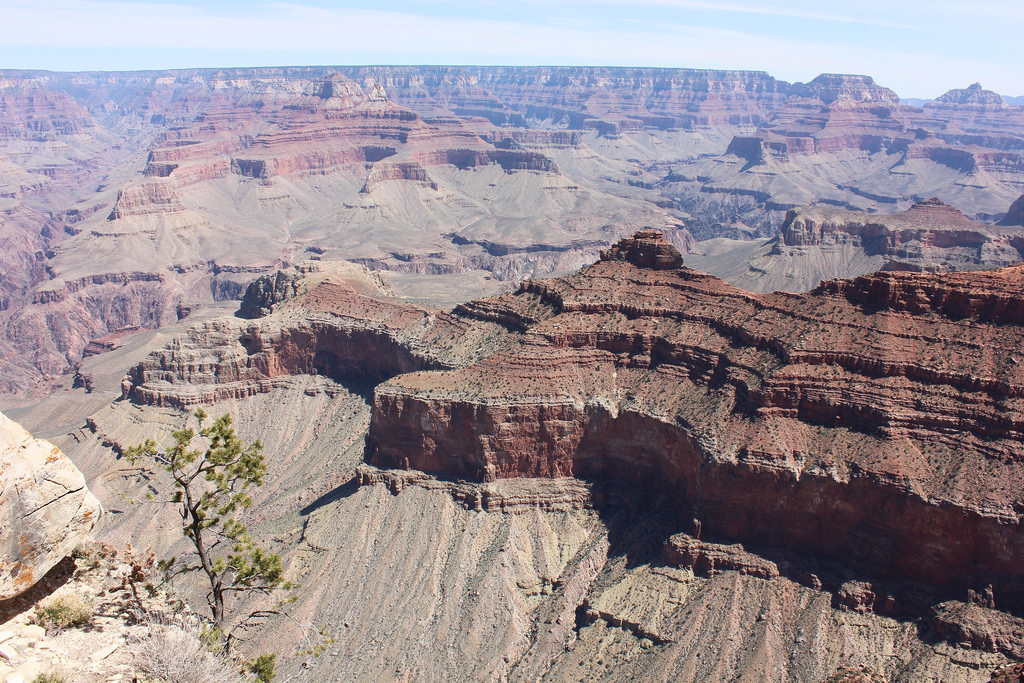 weather april grand canyon